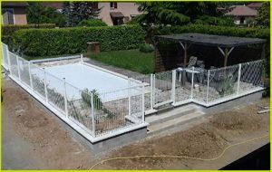 Clôture métal, terrasse béton et escalier