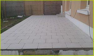 Aménagement extérieur : terrasse béton